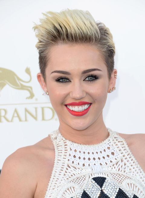 Celebrities with hair roots root hair trend - Effet racine tendance ...