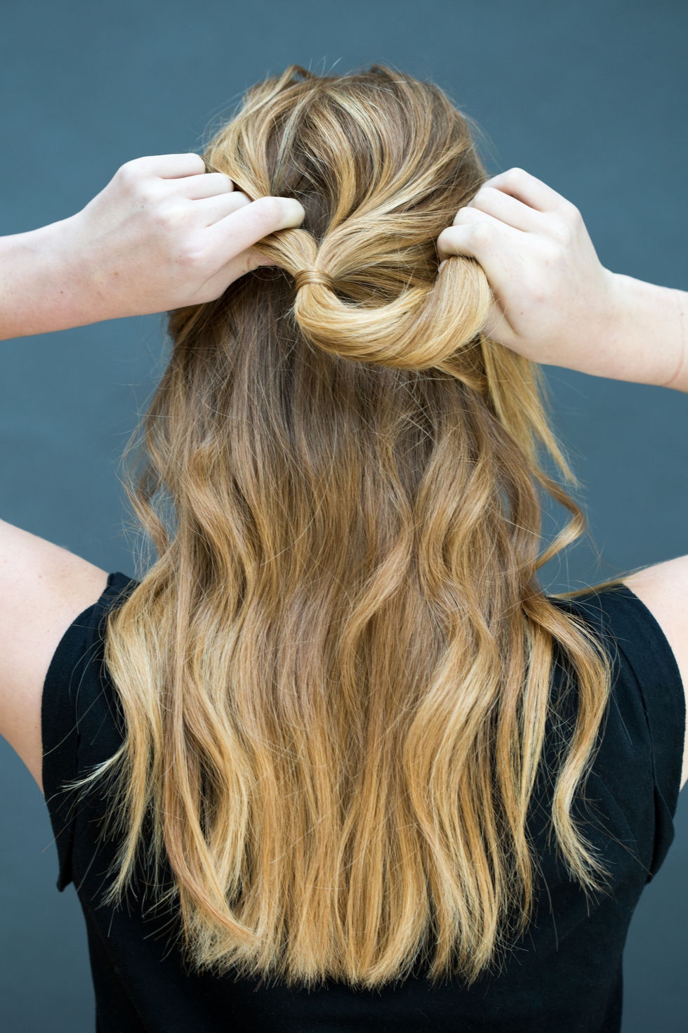 Easy Hairstyles tis the season for getting our hair out of our face and off the neck and the beach is the first place we think of when it comes to where we want 10 Easy Hairstyles You Can Do In 10 Seconds Diy Hairstyles