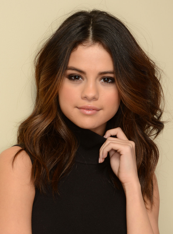Swell 40 Wavy Hair Amp Haircuts On Celebrities How To Get Wavy Hair Short Hairstyles Gunalazisus