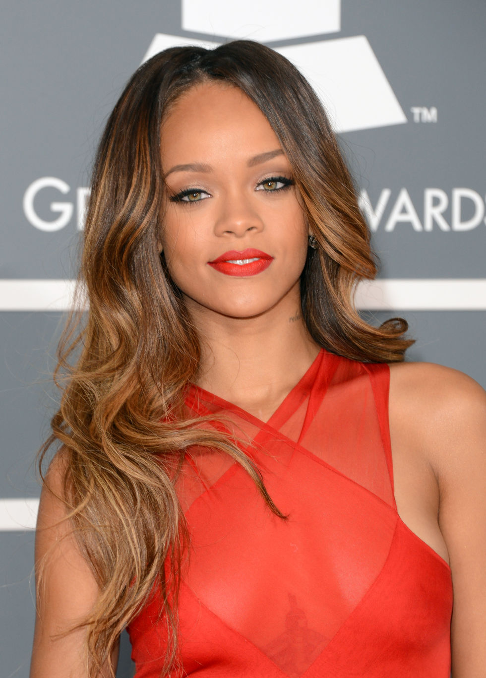 Brilliant 40 Wavy Hair Amp Haircuts On Celebrities How To Get Wavy Hair Short Hairstyles For Black Women Fulllsitofus