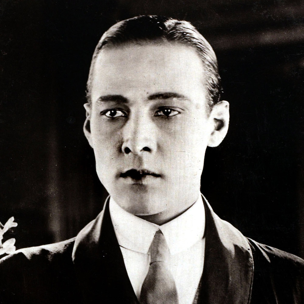Men Wearing Eyeliner History History Of Guyliner