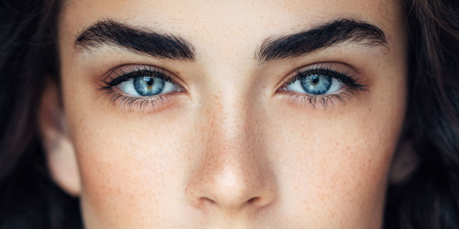 Different eye shapes and how they define your face and personality - Triangular Eyebrows With A Sharp And Angular Shape Defines Your Personality As An Entertaining And An Inspiring Person You Tend To Take Wiser Decisions And