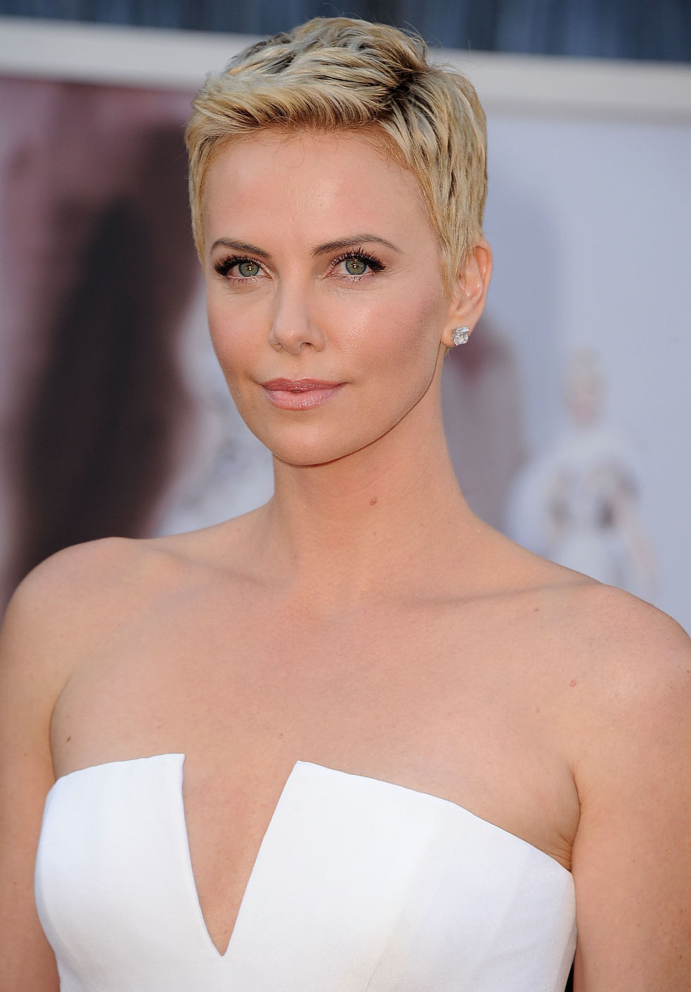 Outstanding 35 Best Pixie Cuts On Celebrities Chic Pixie Hairstyle Ideas For Short Hairstyles For Black Women Fulllsitofus
