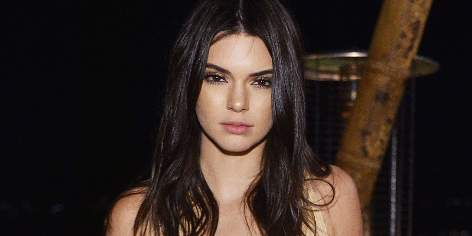 Kendall Jenner Wears Gray Contact Lenses