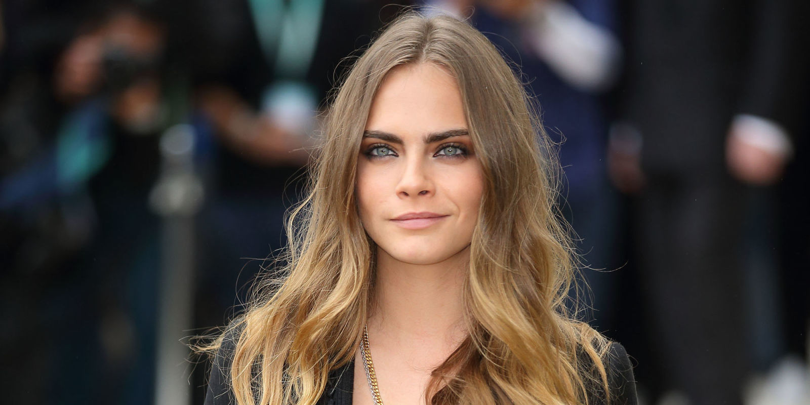 cara delevingne writes essays about leaving modeling self doubt