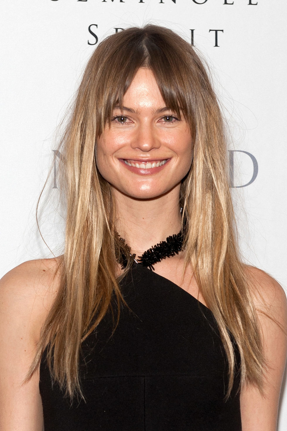 Sensational 35 Long Hairstyles With Bangs Best Celebrity Long Hair With Short Hairstyles For Black Women Fulllsitofus