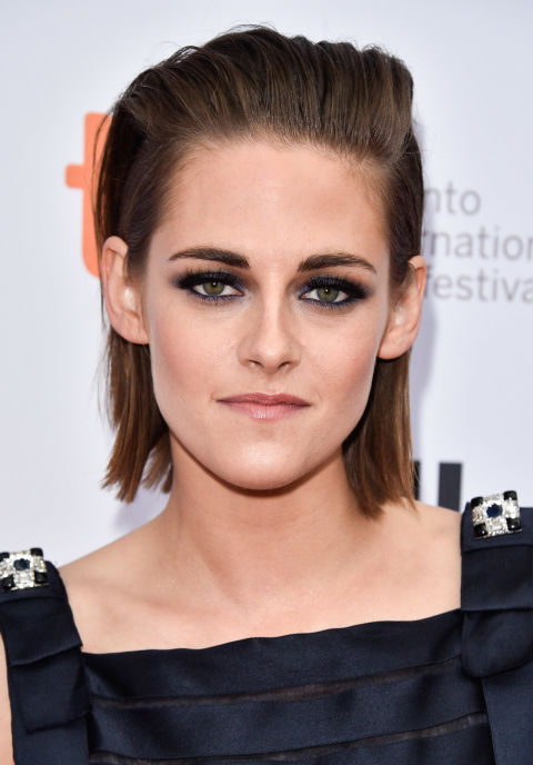 Stewart's the ultimate hair and beauty chameleon, and we're kind of in love with this completely slicked-back—but not greasy—straight-ironed style.