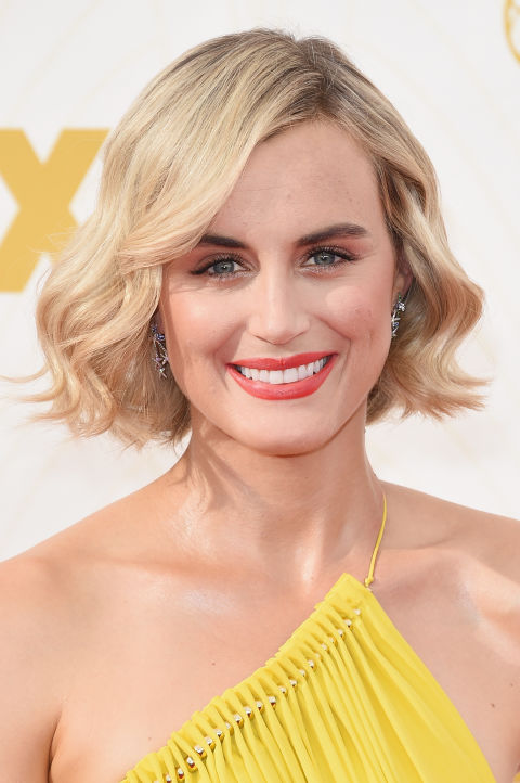 All-over waves is the perfect way to dress up a straight-edge bob.