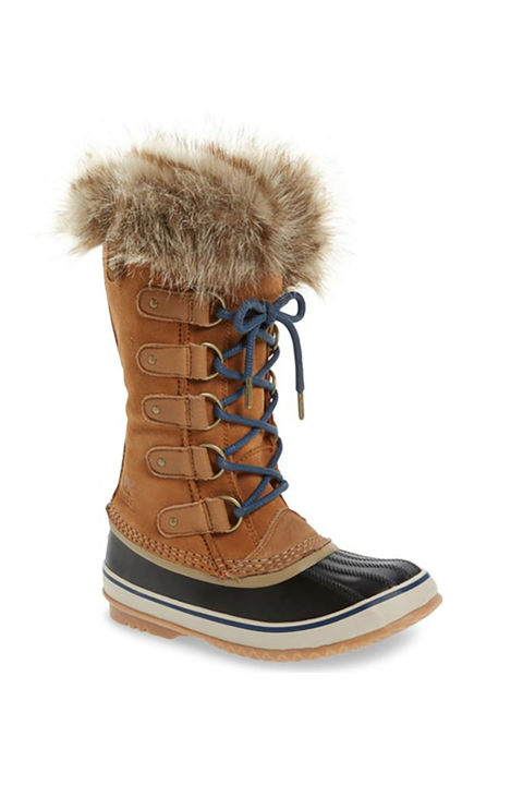 12 Snow Boots You Ll Actually Want To Wear This Winter
