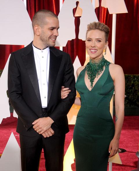 Scarlett Johansson Is Getting Divorced - Scarlett ...