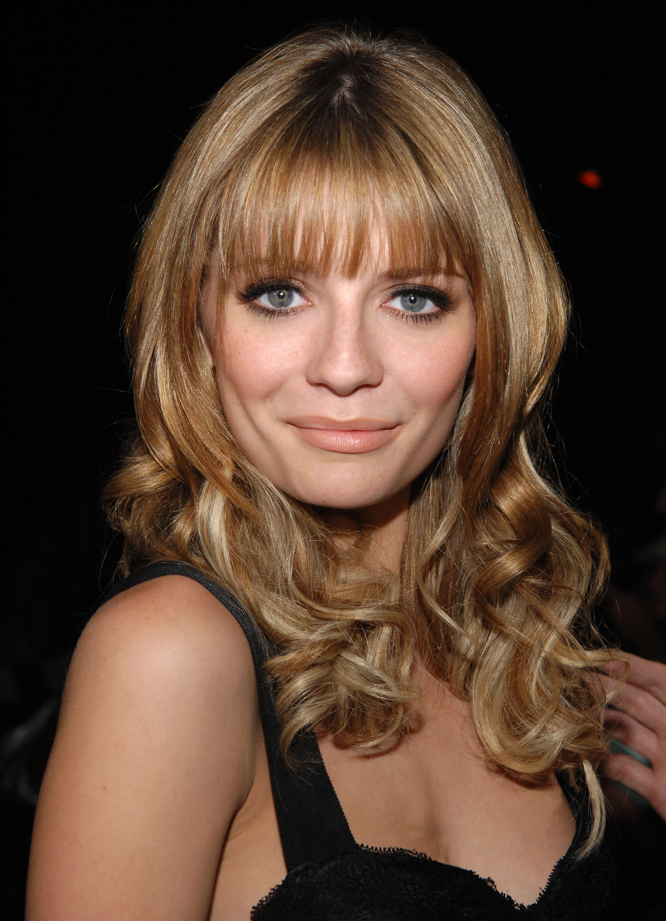 35 long hairstyles with bangs   best celebrity long hair