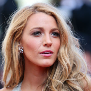 Shoulder Length Hairstyles medium wavy side parted hairstyle Indulge Those Blue Crush Fantasies