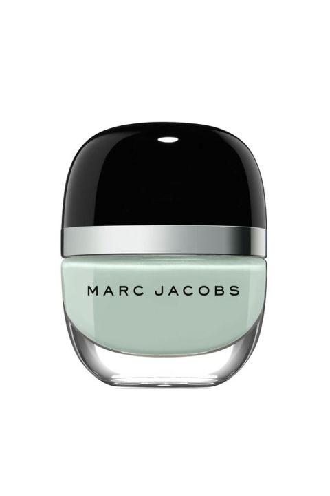 Um paladar de limpeza & nbsp; verde & nbsp; que vai olhar legal, mesmo se você tem o corpo inteiro suores. Marc Jacobs Enamoured Hi-Shine Verniz para unhas, $ 18; & nbsp; sephora.com.