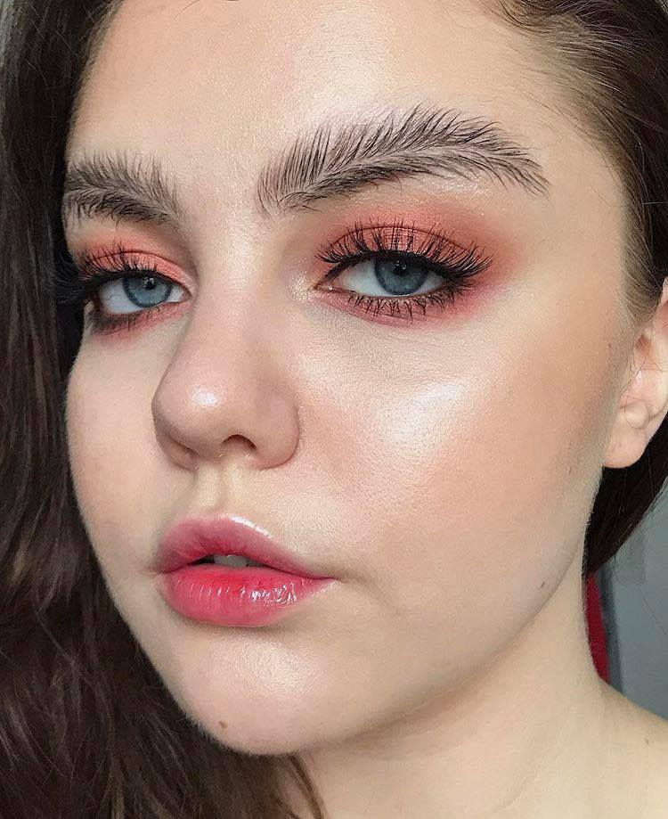 Feather Brow Trend - Eyebrow Trends