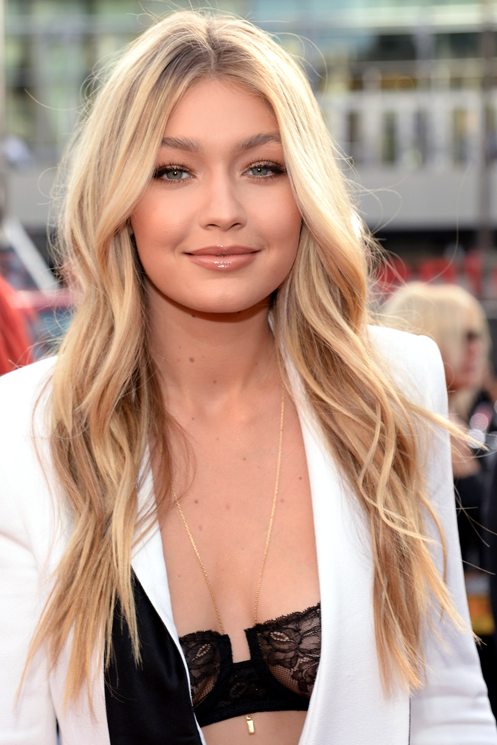 Gigi Hadid Hair Color Evolution Gigi Hadid Blonde Hair