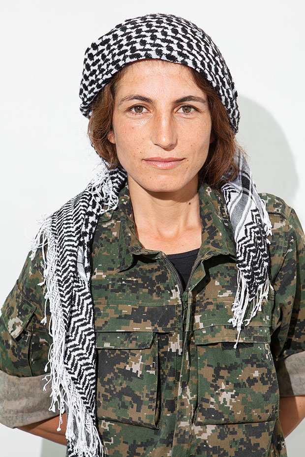 YPJ Soliders Fighting ISIS - Women Soldiers in a War ...