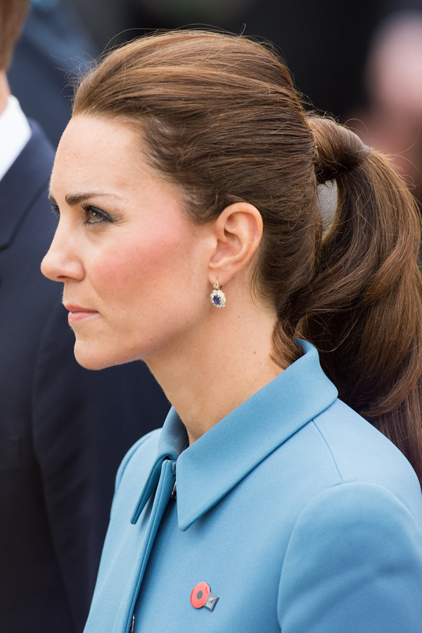 Wedding hair side ponytail