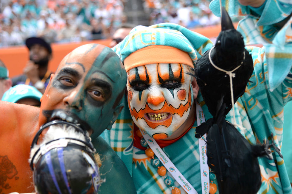 Football fanatics and the men who love them - Dateline NBC ...