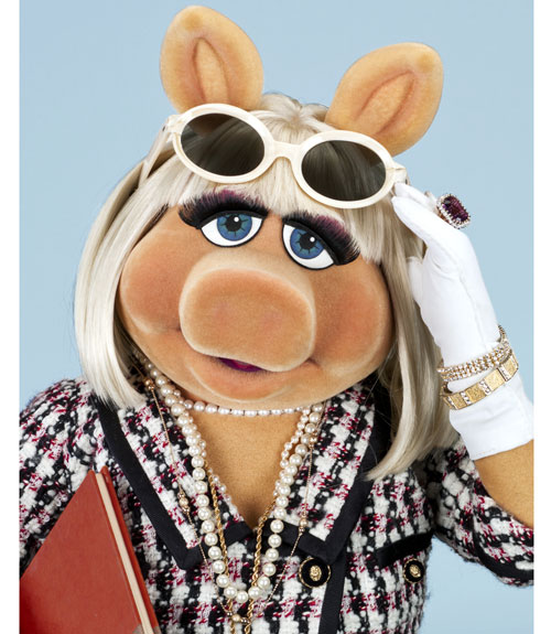 410 Best Muppet Love Images On Pinterest: What Miss Piggy Carries In Her Bag
